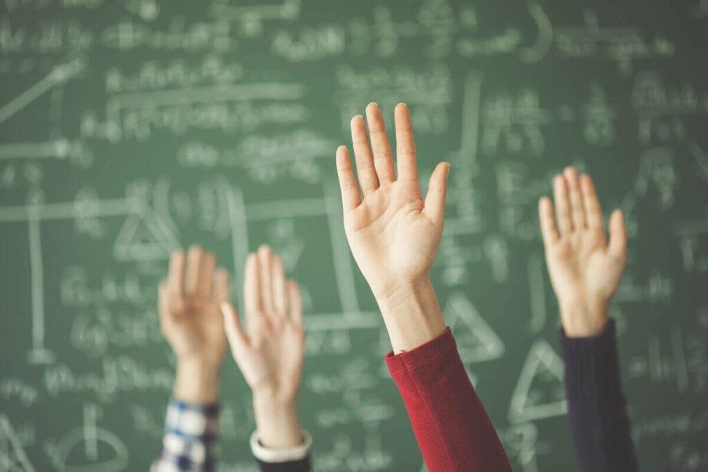 Qui sont les profs enseignant chez Hackschooling ?